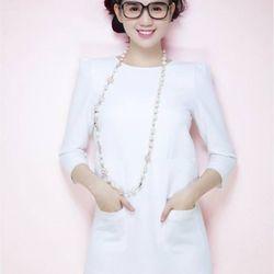 Váy suông ngọc trinh với thiết kế tay dài đơn giản th102