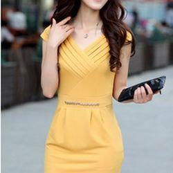 Đầm công sở xếp ly ngực màu vàng-gt30 giá sỉ