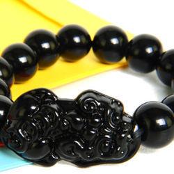Vòng đeo tay phong thủy tỳ hưu đen - kich cỡ hạt 14 li giá sỉ
