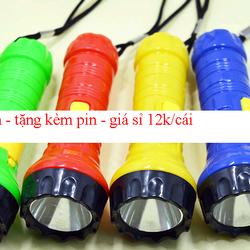 Đèn pin - tặng kèm pin - giá sỉ 12k/cái giá sỉ
