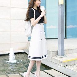 Bộ áo thun đen tay ngắn và chân váy chữ a dài như ngọc trinh #422