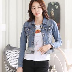 Áo khoac jean có size m, l: nút đôi thời trang sale 125.000đ